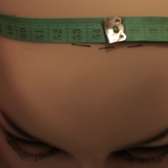 How to measure your head size in centimetres.
